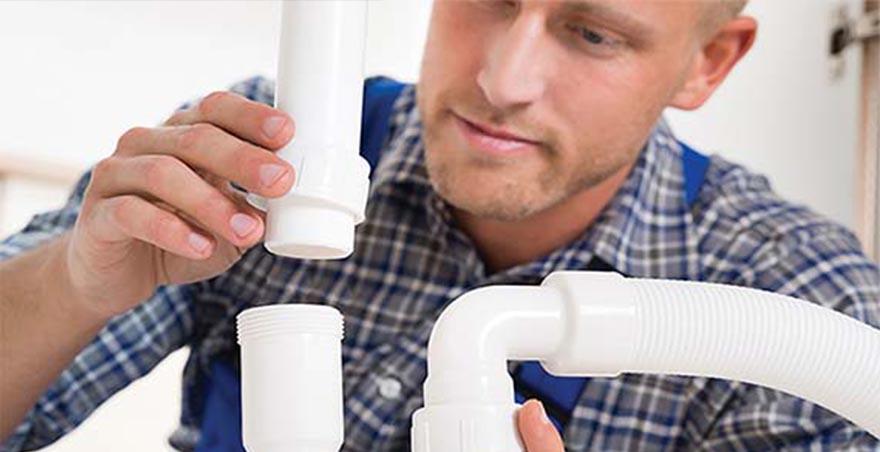 Technicien spécialisé en débouchage de plomberie